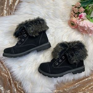 [Roxy] Faux Fur Trimmed Ankle Booties